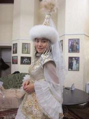 Казахские свадебные наряды для невест и женихов в Алматы тел 2720296