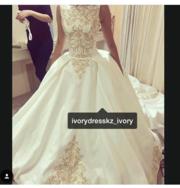 Продам полностью Новое платье!