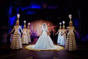Пышное шикарное свадебное платье с фалдами