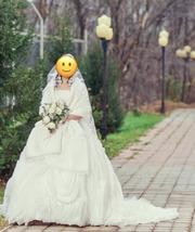 Продам свадебное платье. Возможен торг.